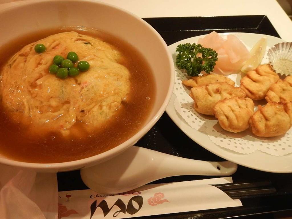 天津飯と海老揚げ餃子