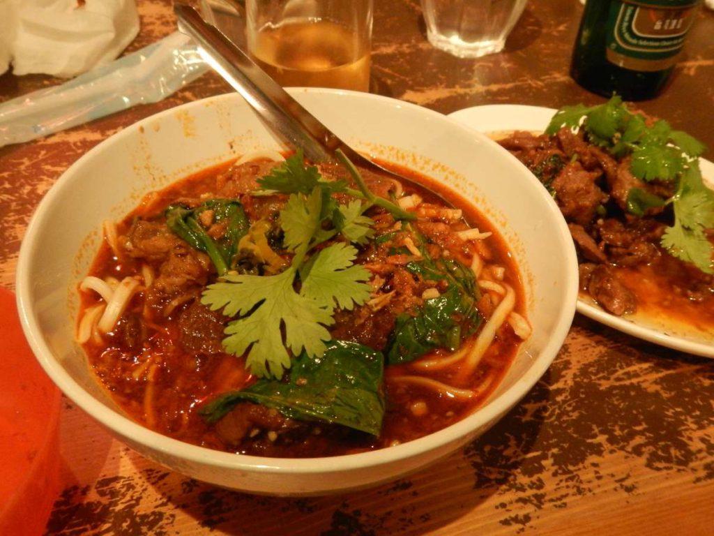 台湾料理牛すじの麺