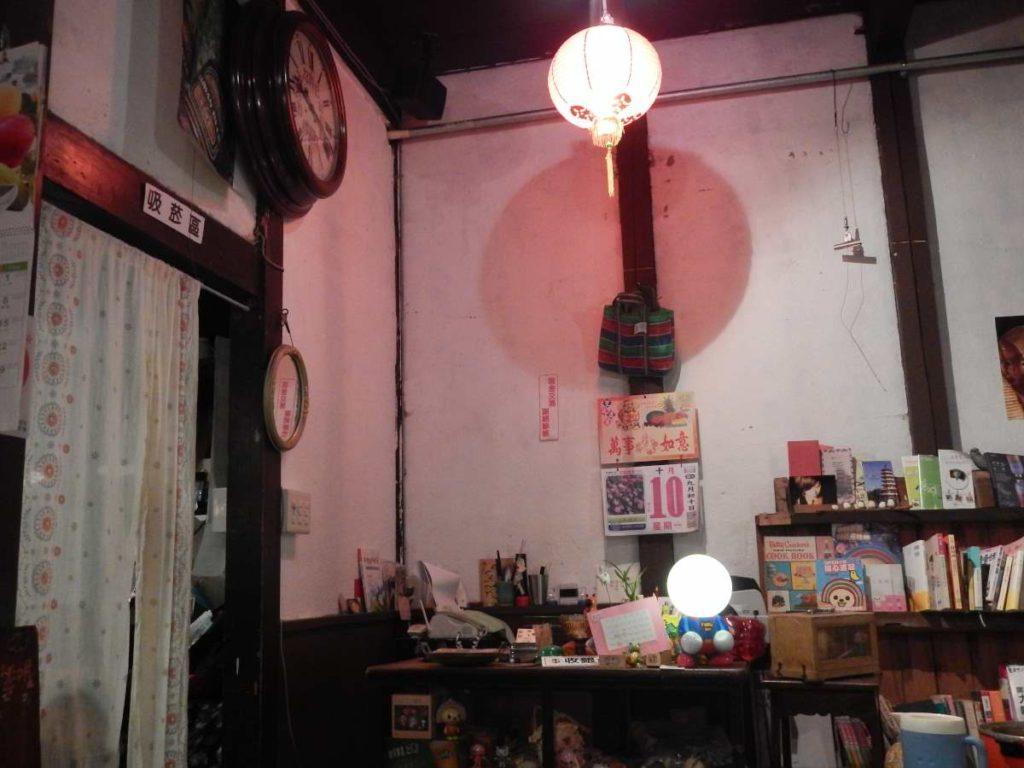 台湾料理店内
