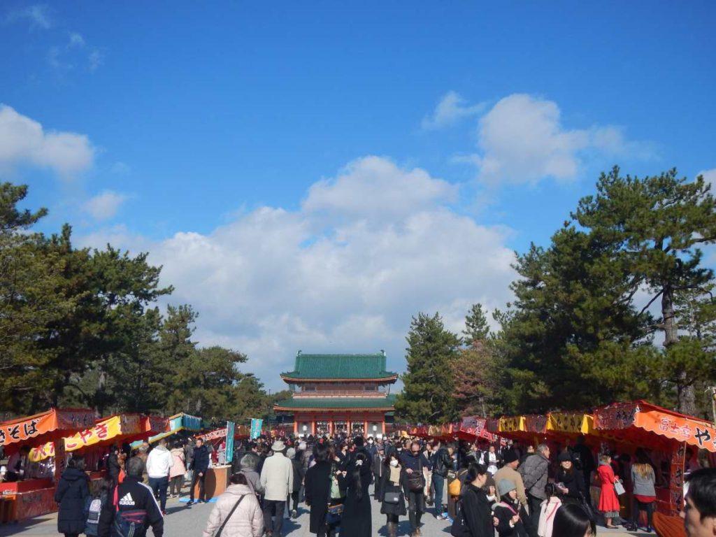 平安神宮と屋台