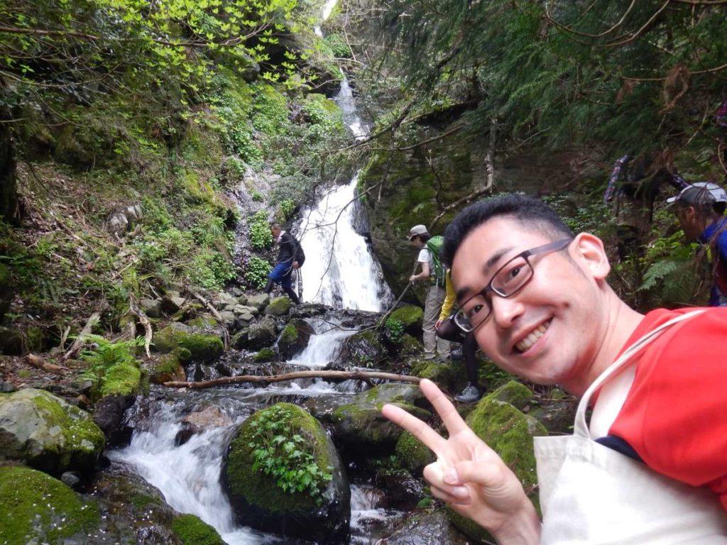 蓬莱山薬師の滝