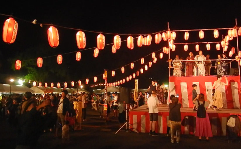 踊らなくても楽しめる、踊った方が楽しめる、西本願寺で盆踊り