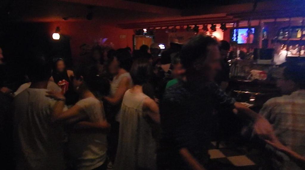 大盛況のサルサダンス