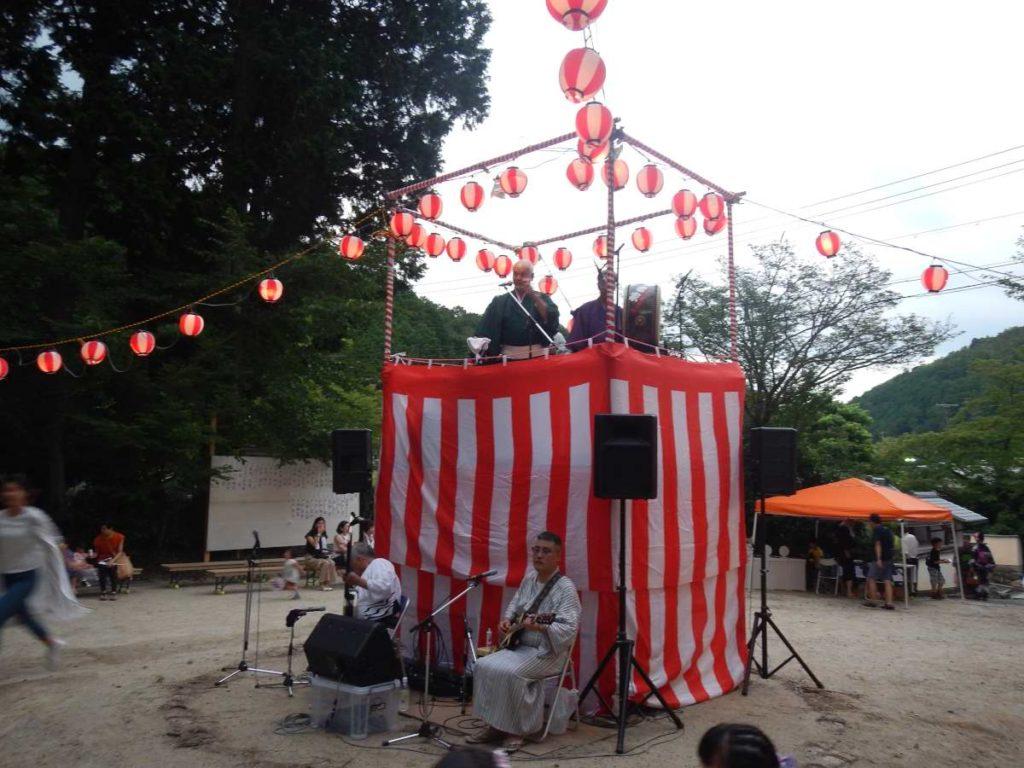 高雄盆踊りの櫓
