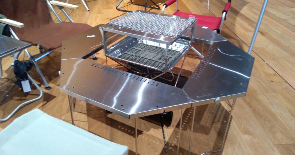 焚き火台とテーブルのセット