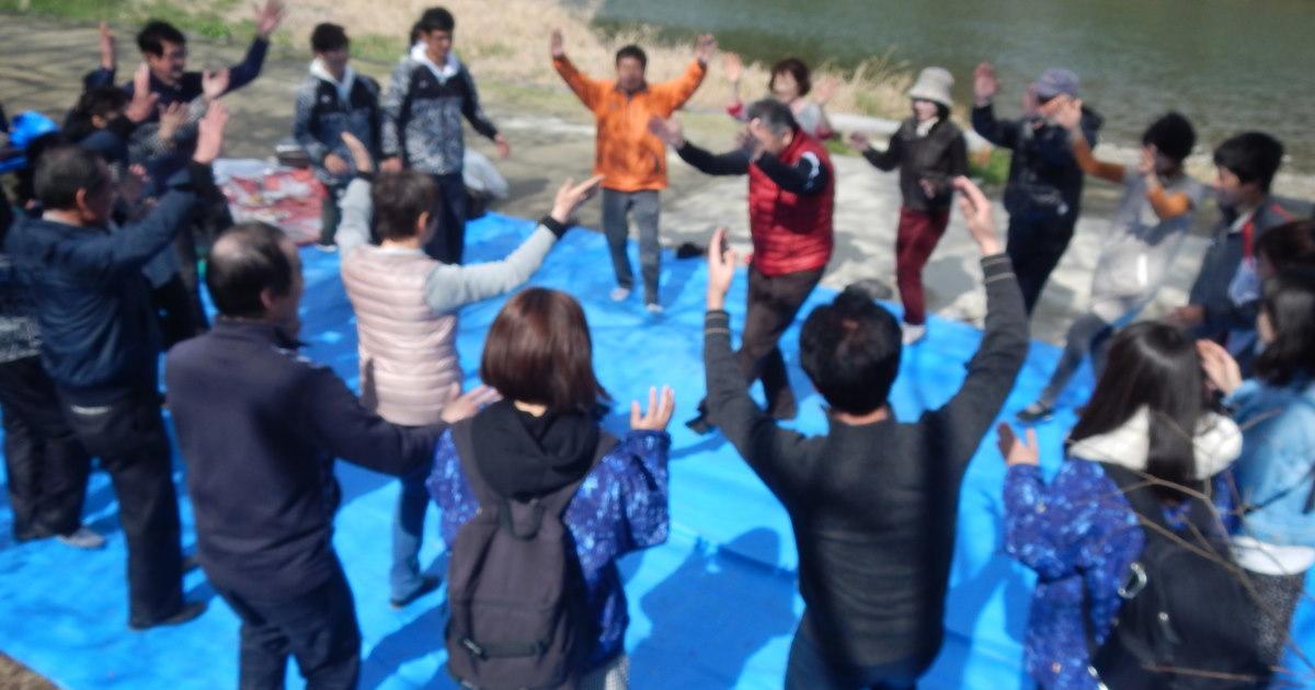 鴨川でフォークダンス